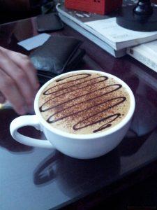 Chińska mokka - dużo czekolady, kawa nie najgorsza, a cena - 15 yuanów