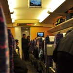 Wnętrze wagonu superszybkiego pociągu