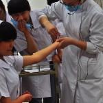 Strach w oczach przyszłej pielęgniarki